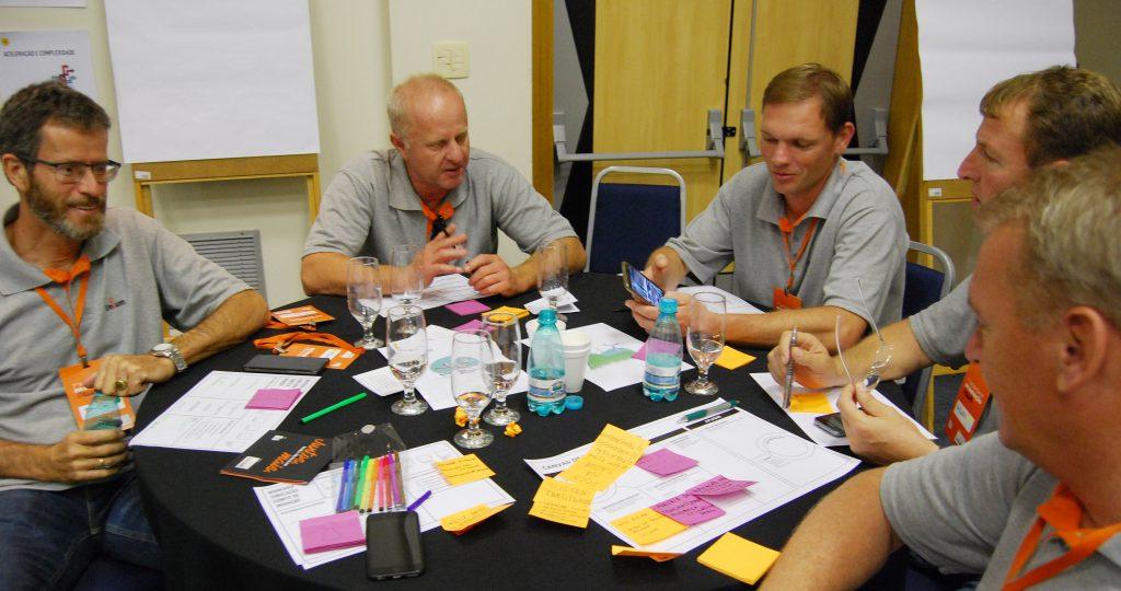 Diretorias de Frísia, Castrolanda e Capal participando do Workshop de Cocriação do Comitê de Inovação.